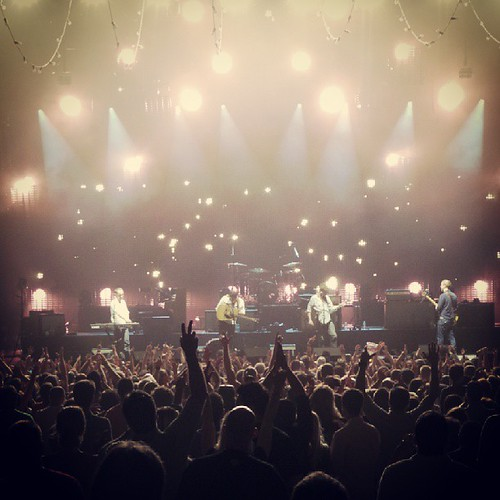 I may never again be comfortable around huge crowds again, but it was worth it tonight. #Mumford