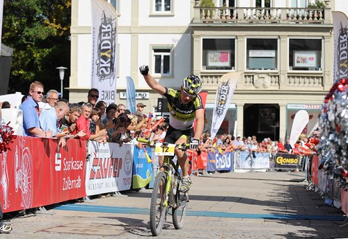 110925_Robert Mennen_finish_hechingen_stage#3_by Fuhrmann