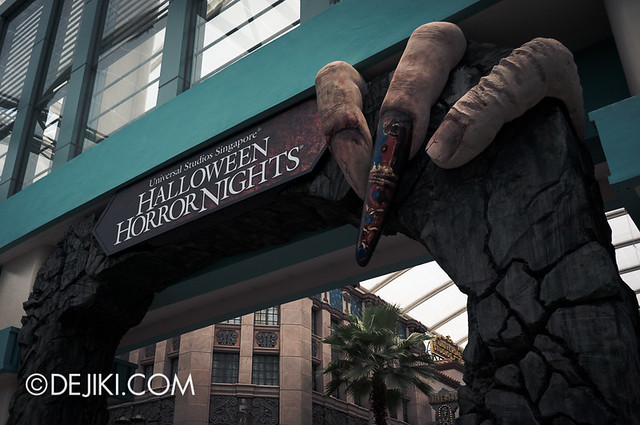 Halloween Horror Nights 3 Singapore - Entrance daytime