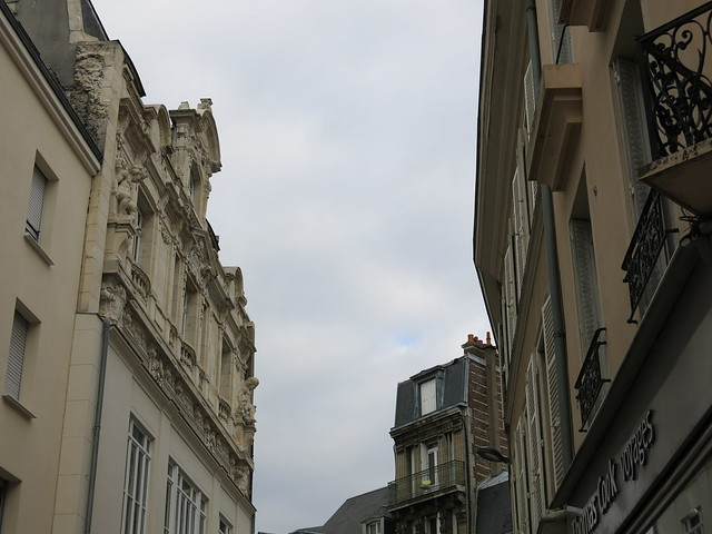 Header of Chartres