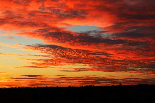 sunset sky orange mountains calgary clouds rockies alberta cloudsstormssunsetssunrises