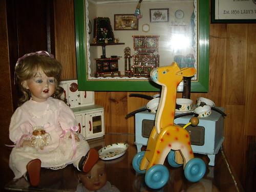 Les poupées de ma maison  11367942486_0143876151