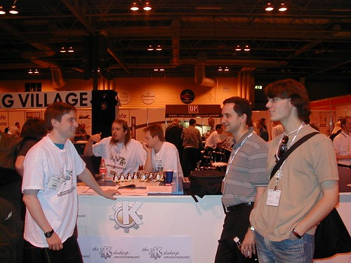 linux-users-expo-jun-2003-kde-stall