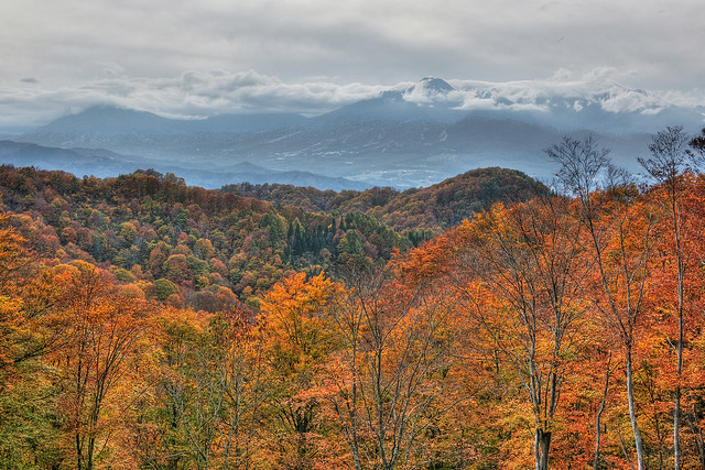 10月の妙高山は