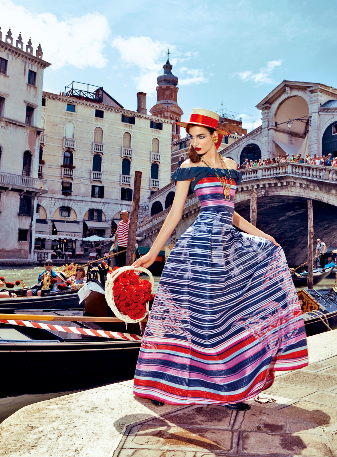 Zuzanna-Bijoch-by-Pierpaolo-Ferrari-for-Vogue-Japan-February-2014-(My-Fascination-with-Venice)-(9)