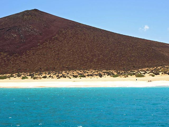 Turquoise seas, La Graciosa, Lanzarote