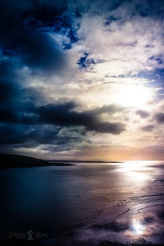 wales peace horizon cymru llansteffan sonynex5r {vision}:{sunset}=0692 {vision}:{clouds}=099 {vision}:{outdoor}=0551 {vision}:{sky}=0969