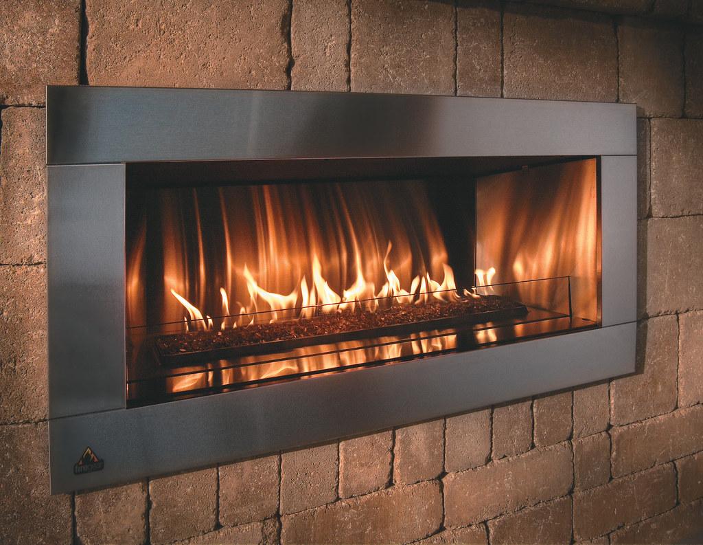 Grand Contemporary Fireplace