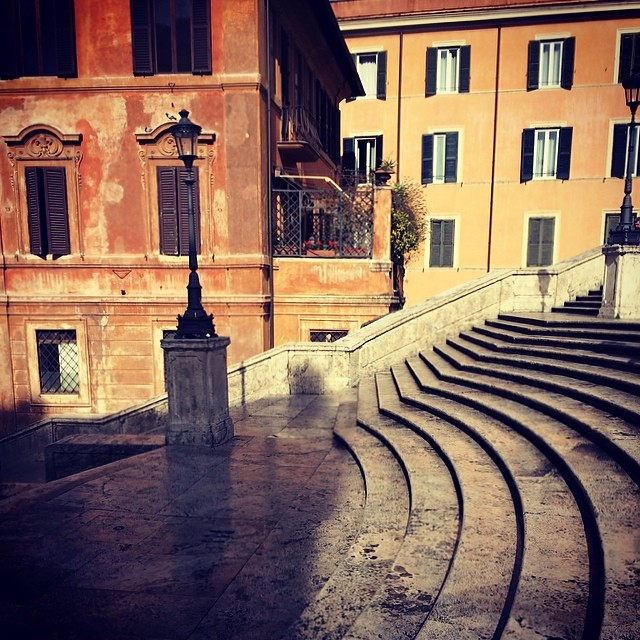 Seriously the only shot I could get (and I had to act fast) without people and their cameras. #spanishsteps