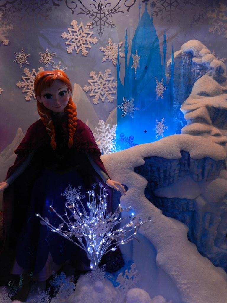 Un séjour pour la Noël à Disneyland et au Royaume d'Arendelle.... - Page 2 13643285125_ca82c1d6c8_b