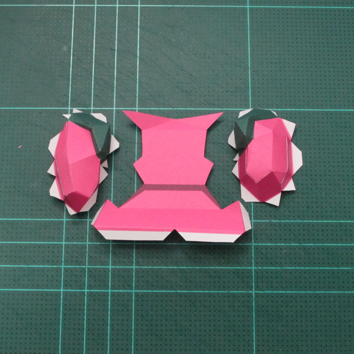 วิธีทำโมเดลกระดาษตุ้กตาคุกกี้รัน คุกกี้รสสตอเบอรี่ (LINE Cookie Run Strawberry Cookie Papercraft Model) 012