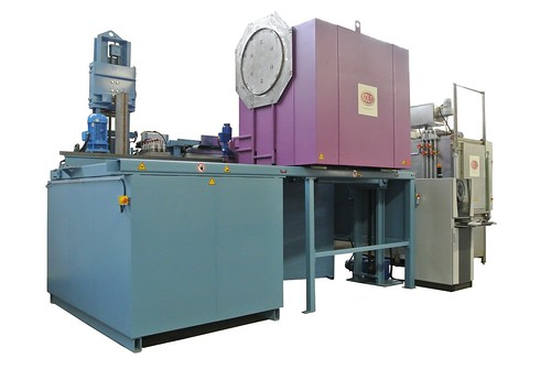 Four à charge Profitherm 500 - Bell type furnace for the armament industry