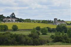 L'église médiévale et le château de la Ligerie
