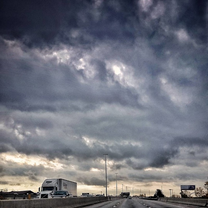 Packed like lemmings into shiny metal boxes #thruway #highway #BuffaloNewYork #ilovewny #iloveny #RiseBFLO #igersbuffalo #newyork #travelBUF #stormyweather #stormclouds #clouds #cloudporn