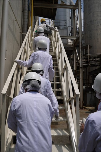 さ、工場内へ@日本山村ガラス東京工場
