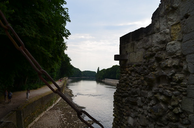 Chateau de Chenonceau drawbridge and river