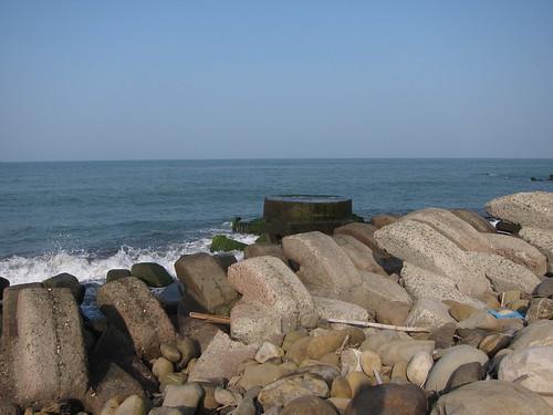 海岸堆滿消波塊