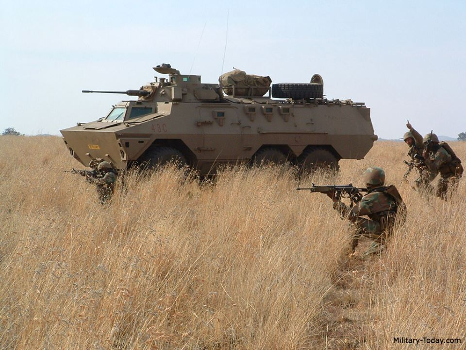 South African National Defence Force (SANDF) - Page 11 10353298135_ee78797d83_o