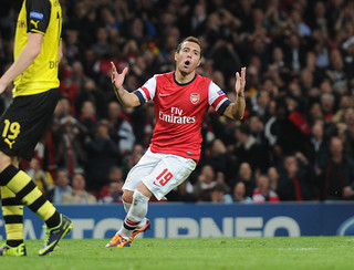 Santi Cazorla reaction after hitting the crossbar