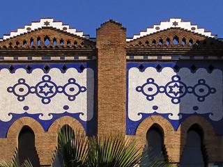Decoracion con azulejos...pero en donde ? La Monumental * Barcelona