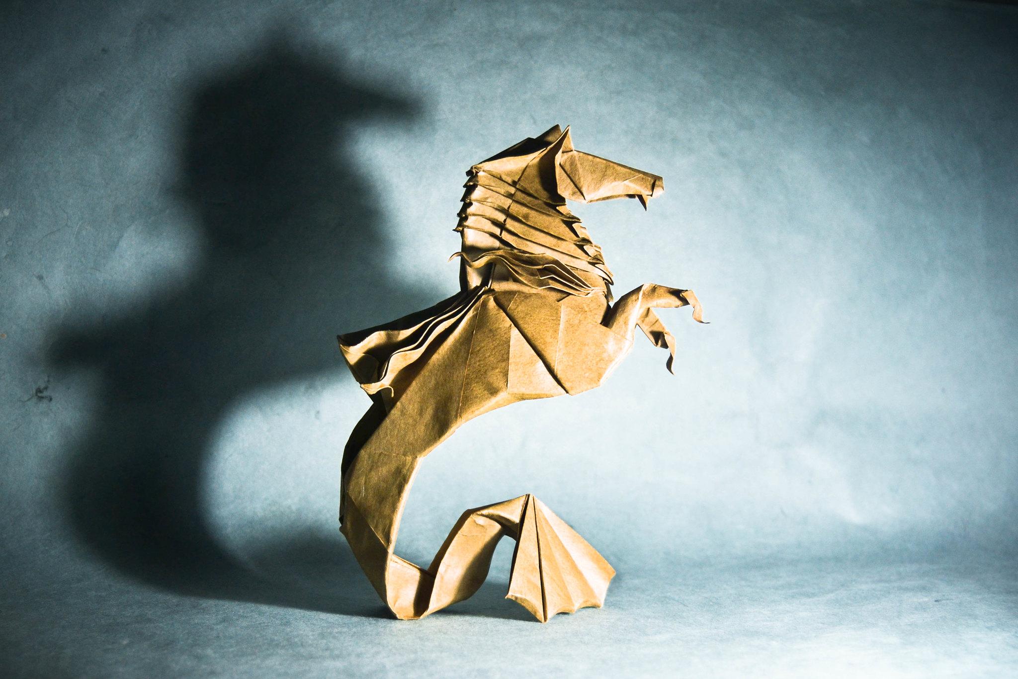 Origami Hippocampus - Román Díaz