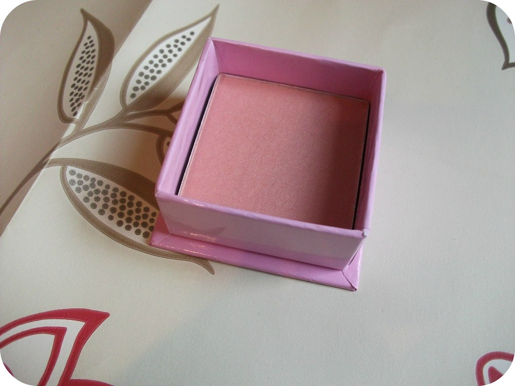 W7 Candyfloss Boxed Powder