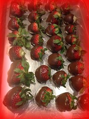 2014 Valentin's strawberries dipped in chocolate!