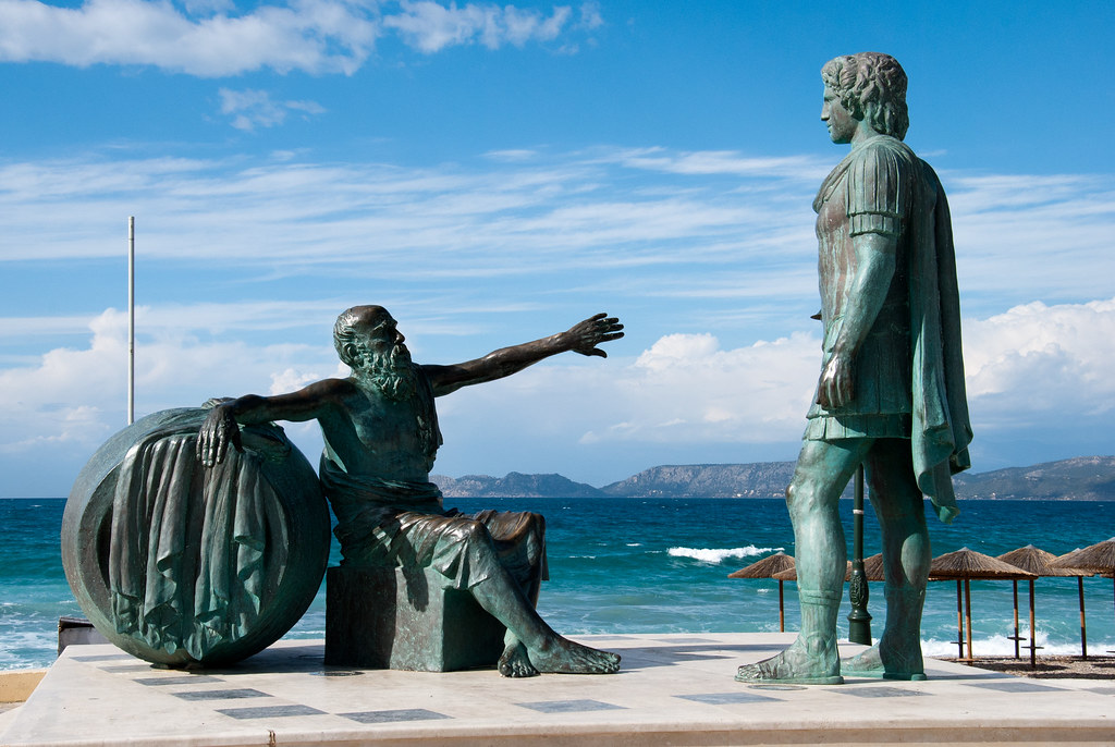 Diogenes and Alexander statue