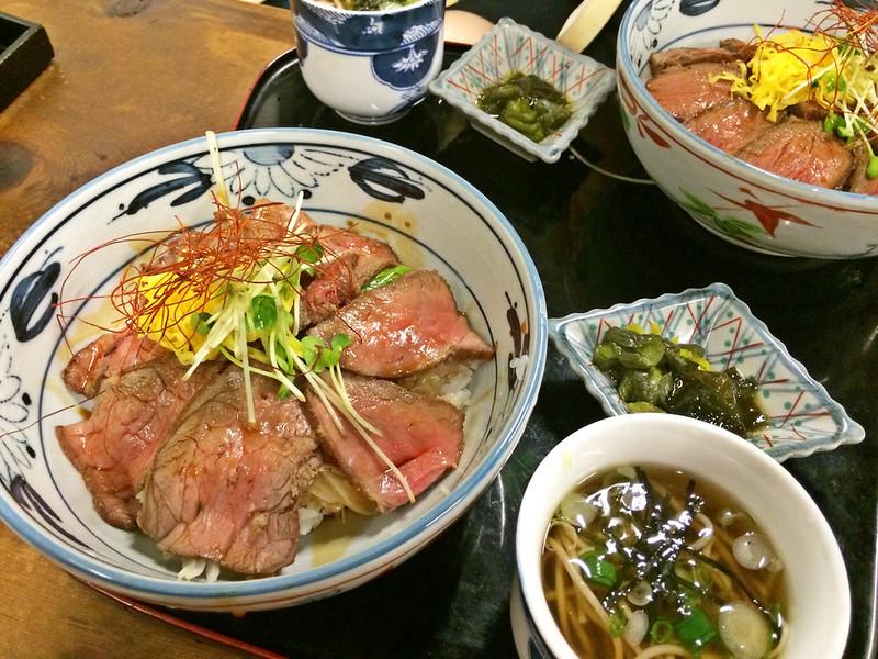 飛騨牛鉄火丼