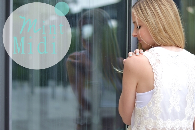 Outfit Mint Midi Banner