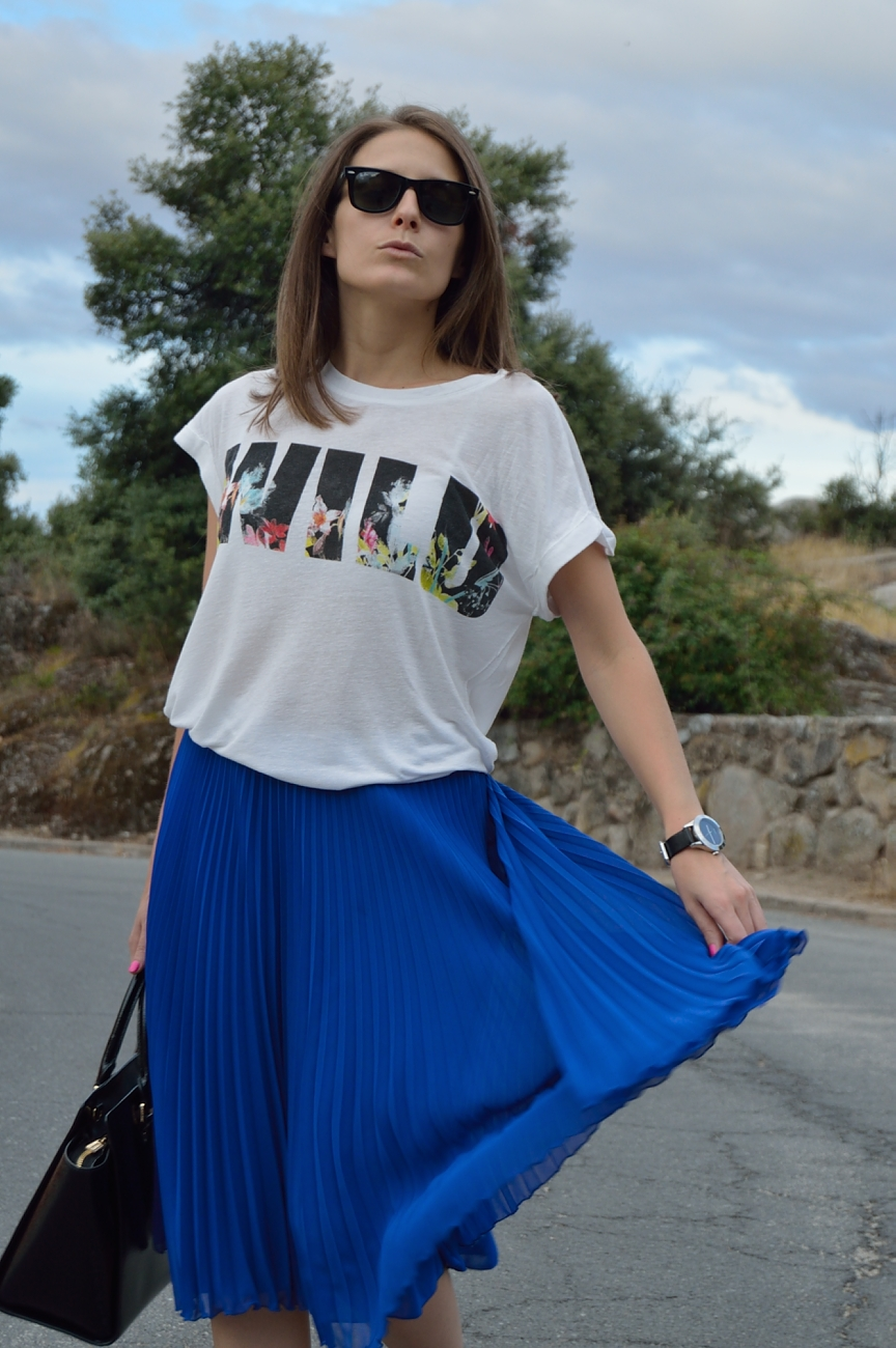 lara-vazquez-madlula-blog-style-fashion-trends-femme-wild-midi-skirt-summer-look