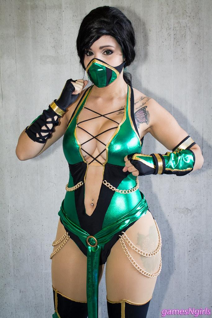 Video Game Cosplay: Mortal Kombat Jade Cosplay