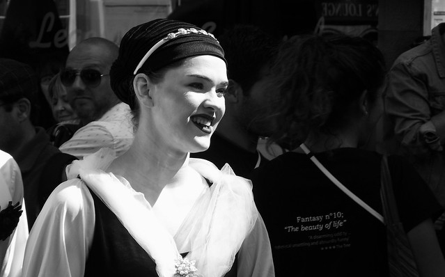 performers on the Mile 052