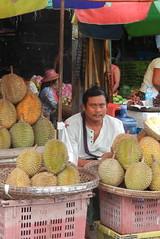 Market-Durian vendor-2