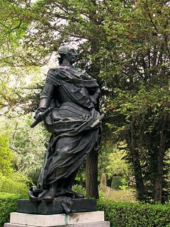 Εικόνα από Puerta del Rey. sculpture escultura rey estatua carlosiii bronce figura arteurbano borbon donacion1981
