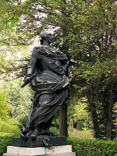 Изображение Estatua de Carlos III. sculpture escultura rey estatua carlosiii bronce figura arteurbano borbon donacion1981