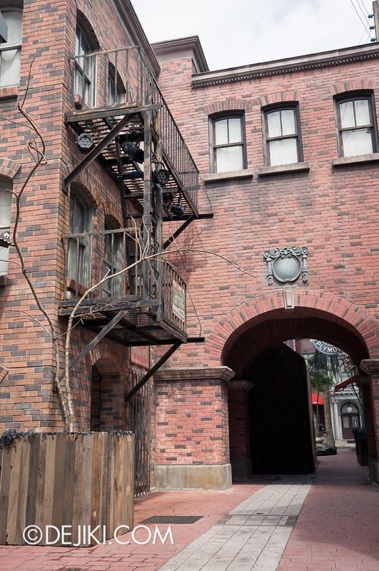 HHN3 Before Dark 2 - Attack of the Vampires - Sting Alley / Water Street / Harbor