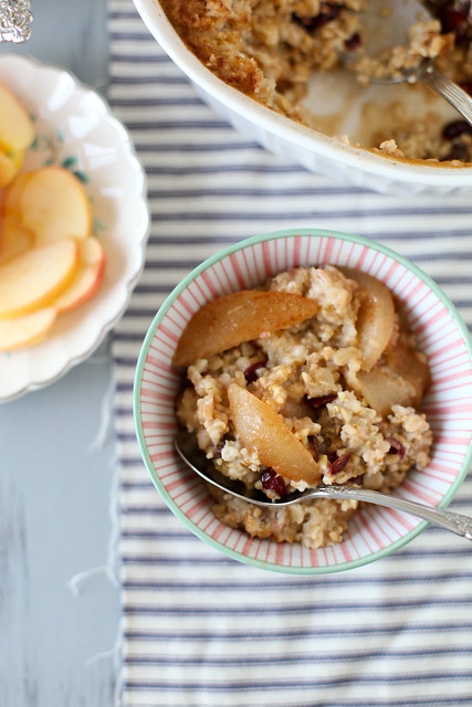 Apple Cinnamon Baked Oatmeal - Annie's EatsAnnie's Eats