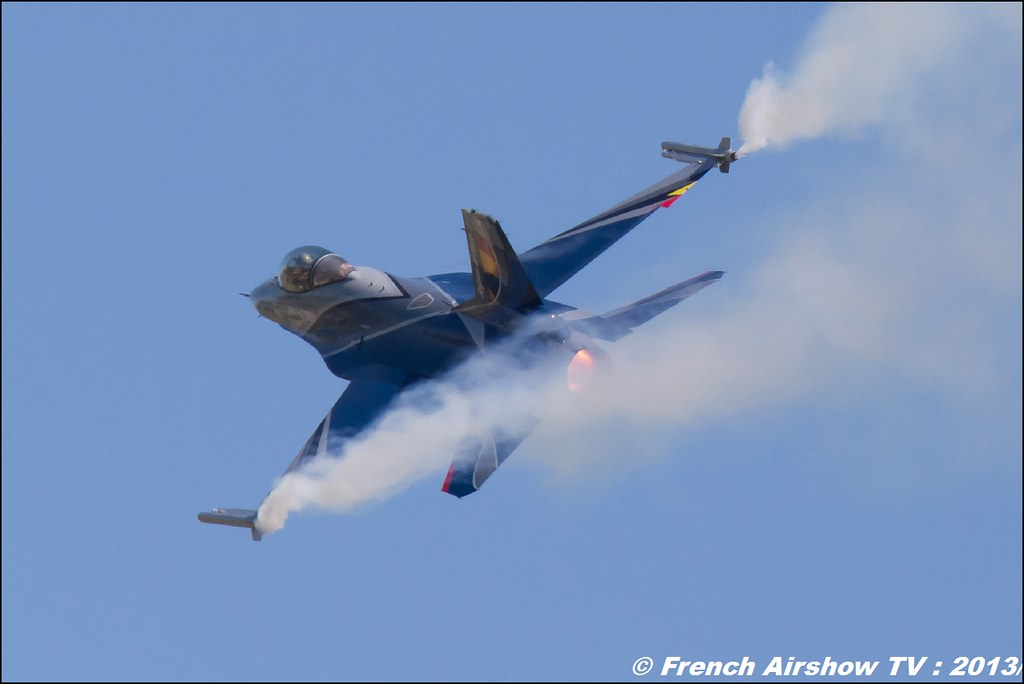 F-16 Solo Display Belge ,60 ans Patrouille de France , Meeting Aerien 2013
