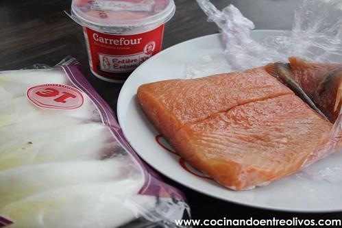 Barquitas de endivias con mousse de salmon www.cocinandoentreolivos (2)