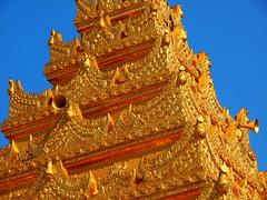 Mahamuni Buddha temple in Mandalay (Myanmar 2013)