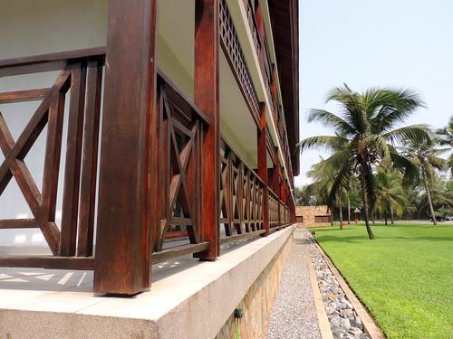 nature buildings vanishingpoint nikon palmtrees ghana coconuttrees accra nikoncoolpix nikonp510 coolpixp510 labadibeachhotelaccraghana