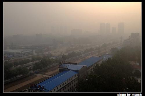 中國作為世界工廠,正以毒霾分享世界。