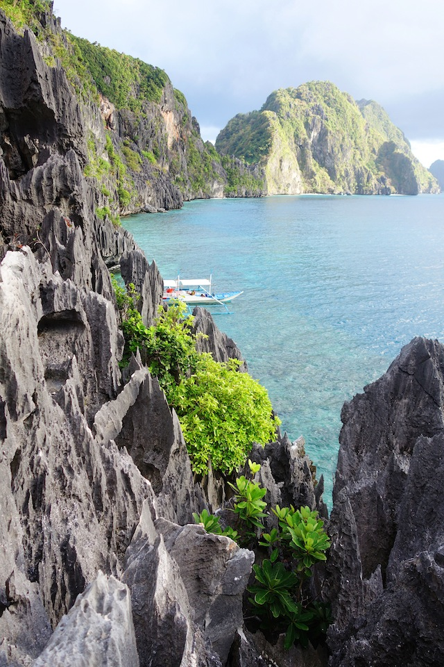 El Nido Palawan island hopping Matinloc Shrine cliff