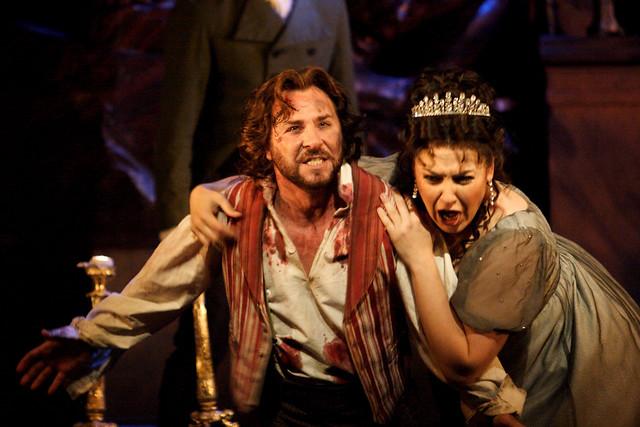 Roberto Alagna as Mario Cavaradossi and Oksana Dyka as Floria Tosca in Tosca © ROH / Catherine Ashmore 2014