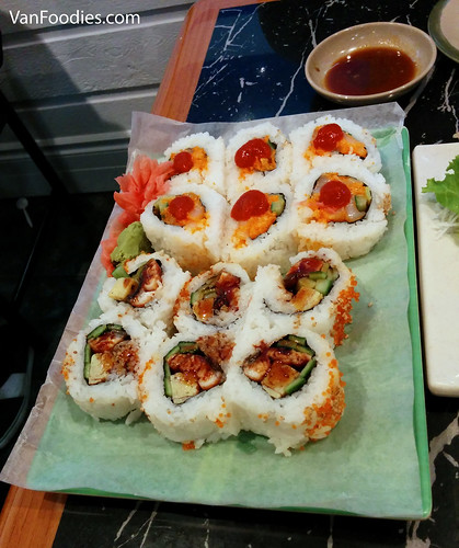 Spicy Scallop Roll (top) & Tama Unagi Roll