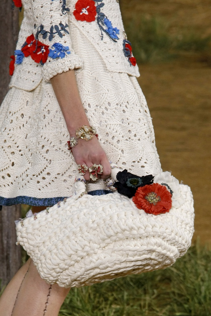 slide-show-chanel-novelty-bags12_145533713120.jpg_gallery_max