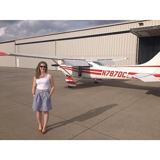 It took some grace to get out of the plane in this #kellyskirt @megannielsenpatterns