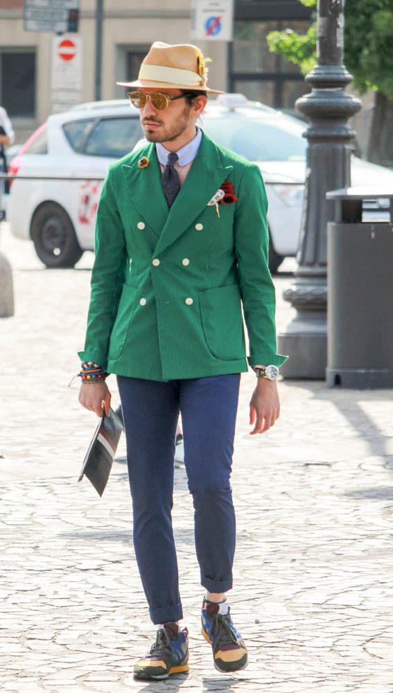 緑ダブルジャケット×バーズアイスラックス×adidas ZX系スニーカー
