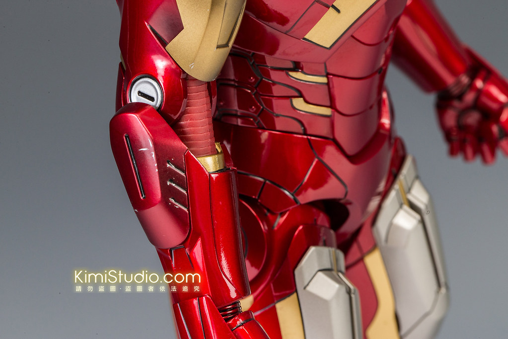 2013.06.11 Hot Toys Iron Man Mark VII-020